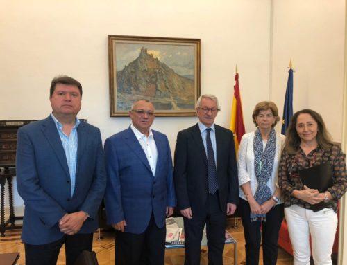 UECoE mantivo unha reunión no Ministerio de Educación para tratar temas de interese da organización